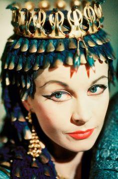 50+Vivien+Leigh+(Caesar+and+Cleopatra).jpeg (690×1047)