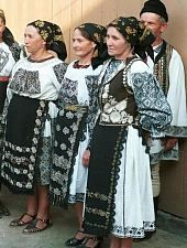 Folk costumes of Bistrița-Năsăud County, Romania European Costumes, Costumes Around The World, Historical Clothing, Folk Clothing, Folk Embroidery, Ethnic Dress, Ukraine, Folk Costume, World Cultures