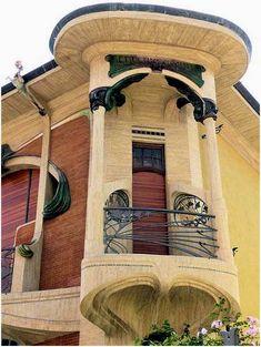 Villino Broggi-Caraceni  (1910-1911)   99, via Scipione Ammirato Florence. Architecte :  Giovanni  Michelazzi.©GB