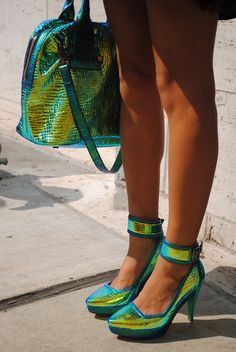 Iridescent accessories in tandem #NYFW #streetstyle WGSN street...