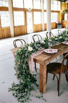 Garland Ideas On Tables Green Garland On Wood Table