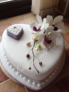 Will you marry me cake love this idea soo cute and romantic! Heart Shaped Wedding Cakes, Heart Shaped Cakes, Small Wedding Cakes, Heart Cakes, Chanel Birthday Cake, Cool Birthday Cakes, Bride And Groom Cake Toppers, Wedding Cake Toppers, Diamond Wedding Anniversary Cake