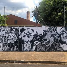 1° Doodle art 165 .  Babi / @willinsano /@krs.art / @guimnomo / @celograff .  #Doodle #sãojosédoriopreto #guimnomo #cenoracoletivo #graffiti #instagraffiti #instagrafite #graffitiart #streetart #instaart #instadraw #instadrawing #graffitiporn #illustration #graff #instaartists #criative #sketch #spray #streetartbrasil #graffitibrasil #artesemfronteiras #art_spotlight #muralsdaily #spraydaily #graffs #fotografia #doodleart