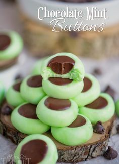 These Chocolate Mint Cream Cheese Buttons are perfect for all occasions! Lovely mint flavored cream cheese mints filled with a decadent chocolate ganache. Guaranteed to be a hit with your chocolate an (Sweet Recipes Cream Cheese) Candy Recipes, Sweet Recipes, Holiday Recipes, Cookie Recipes, Unique Recipes, Brownie Recipes, Pumpkin Recipes, Christmas Recipes, Soup Recipes