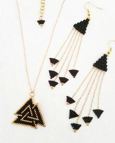 Items similar to Miyuki delica beaded golden triangle set on Etsy Beaded Earrings Patterns, Beaded Jewelry Designs, Seed Bead Jewelry, Bead Jewellery, Seed Bead Earrings, Jewelry Patterns, Bracelet Patterns, Handmade Jewelry, Beaded Bracelets