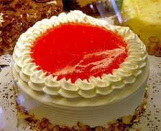 Guava cake is definitely one of my favorite foods from Hawaii. I miss sitting in my Auntie's kitchen with my cousins eating this and nibbling at Haupia. Easy Guava Cake Recipe, Guava Chiffon Cake Recipe, Kings Bakery, Vegetarian Cake, Round Cake Pans, Savoury Cake, Clean Eating Snacks, No Bake Cake, Gourmet Recipes