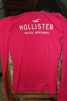 HOLLISTER Tops, tee-shirts http://www.videdressing.com/tops-tee-shirts/hollister/p-3747894.html?&utm_medium=social_network&utm_campaign=FR_femme_vetements_hauts_3747894