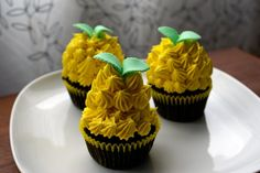 If I decide against the pineapple flowers, these would look cute as well!