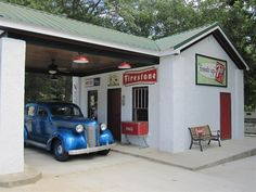 This painstakingly restored service station in Laurens, SC has become a big attraction for visitors with an interest in vintage automobiles and popular culture.