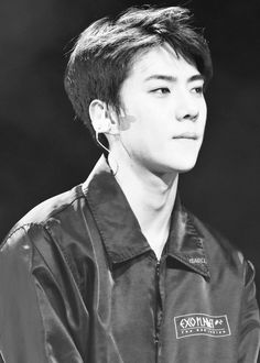 Sehun - 160219 Exoplanet #2 - The EXO'luXion in Chicago Credit: Isabel.