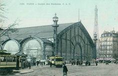 Le Palais des Machines construit pour l'Exposition Universelle de 1889, dont la principale attraction était la Tour Eiffel, était situé au fond du Champ de Mars devant l'Ecole militaire.