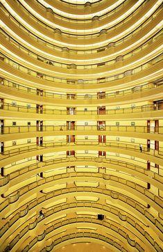 ufansius:  Shanghai - Andreas Gursky