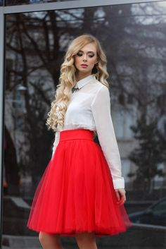 Skirt Tulle Outfit Formal Classy 22 Ideas For 2019 Tule Skirt Outfit, Tuille Skirt, Red Tutu Skirt, Tutu Skirt Women, Red Skirts, Tulle Dress, Skirt Outfits, Cute Christmas Outfits, Girl Fashion