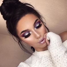 Beautiful look @swetlanapetuhova BROWS: #Dipbrow in Dark brown FOUNDATION: ABH Stick Foundation in Beige GLOW: #NicoleGlow #GlowKit #anastasiabeverlyhills #abhfoundation