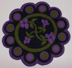 "Penny Rug Style Wool Felt "" Scallop"" Candle Mat Pattern | eBay"