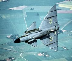 Swedish Viggen (Thunderbolt) showing off its belly during the cold war Military Jets, Military Aircraft, Fighter Aircraft, Fighter Jets, Swedish Armed Forces, Swedish Air Force, War Jet, Swedish Army, Jet Plane