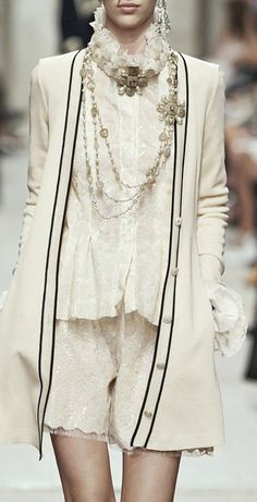 Chanel cruise 2014.FASHION TREND 2014. More inspiration at: http://www.valenciamindfulnessretreat.org