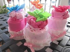 This site has a good set of instructions for diaper cakes, I'm super excited to try it!