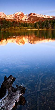 Peaceful Sprague Lake in Rocky Mountain National Park near Estes, Colorado • photo: Wayne Boland on Flickr