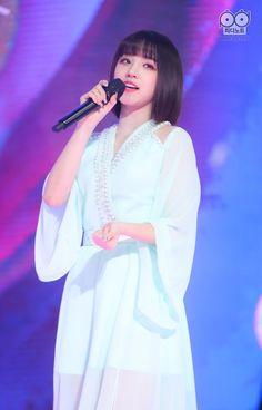 South Korean Girls, Korean Girl Groups, Mini E, You Deserve The World, Soyeon, Soo Jin, Cube Entertainment, Extended Play, These Girls