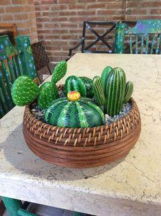 DIY Painting Cactus Rock Art Ideas - Balcony Decoration Ideas in Every Unique Detail art garden indoor plants Painted Rock Cactus, Painted Rocks, Cactus Painting, Diy Painting, Cactus Flower, Cactus Plants, Indoor Cactus, Cactus Pierre, Stone Cactus