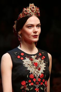 Dolce & Gabbana Spring 2015 Ready-to-Wear - Details - Gallery - Look 62 - Style.com