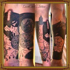 Tattoo Brújula, Faro, Barco de Pesca y Fondo Mapa. Por LionCastleTattoo