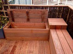 Loungebank met handige opbergruimte voor op een dakterras of balkon.