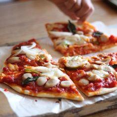娘たちがお昼ご飯に作ってくれました♡ - 32件のもぐもぐ - ピザ by hahanejira