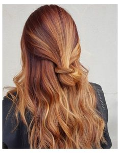 dark red hair with blonde highlights natural
