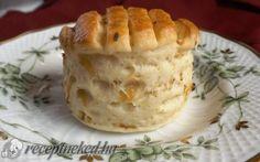 Káposztás hajtogatott pogácsa recept fotóval Hungarian Recipes, Hungarian Food, Apple Pie, Cabbage, Food And Drink, Pudding, Hungarian Cuisine, Custard Pudding, Cabbages