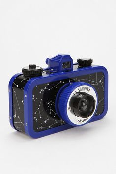 Lomography La Sardina Analogue Camera from Urban Outfitters. Simple Camera, Cute Camera, Retro Camera, Old Cameras, Vintage Cameras, Lomo Camera, Urban Outfitters, Kinds Of Camera, Multiple Exposure