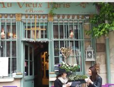 30 Beautiful Hidden Locations in Paris
