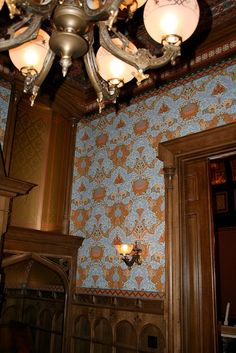 St. James wallpaper in Dove from Bradbury & Bradbury's Morris Specialty Papers collection.