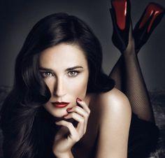Demi Moore va mieux...youpi! Nouvelle pub pour Helena Rubinstein