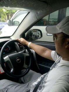 Menerabas padatnya lalu lintas dengan brown chevy captiva,tetap nyaman dan aman!  Chevrolet Captiva, Chevy