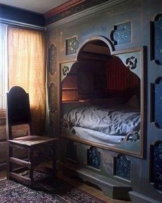 Eidsborg Museum in Telemark, Norway. Eidsborg is over to the west of Kviteseid, near Dalen at the end of the canal. This built-in bed is lovely to look at, but perhaps not so comfortable to sleep in! We probably grow taller now than our ancestors did! Alcove Bed, Bed Nook, Built In Bed, Box Bed, My New Room, My Dream Home, Norway, Sweet Home, Bedroom Decor