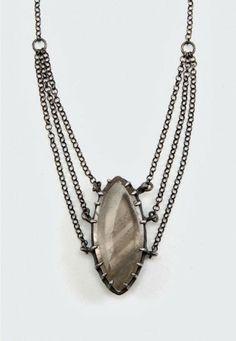 Jewelry   Jewellery   ジュエリー   Bijoux   Gioielli   Joyas   Art   Arte   Création Artistique   Precious Metals   Jewels   Settings   Textures   Elaine Ho   Marquise Phantom #jewellery #necklace