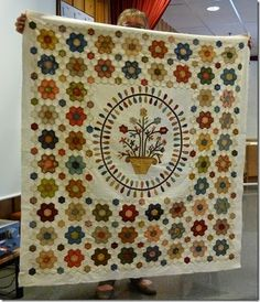 ◈ The beautiful quilt top by May Britt. May 23rd 2014. ◈