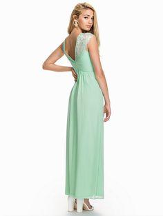 Elise Ryan V-Back Lace Maxi Dress