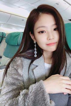 15 Things you didnt know about BlackPink Blackpink Jennie, Kpop Girl Groups, Korean Girl Groups, Kpop Girls, Ailee, Black Pink ジス, Divas, Blackpink Members, Kim Jisoo