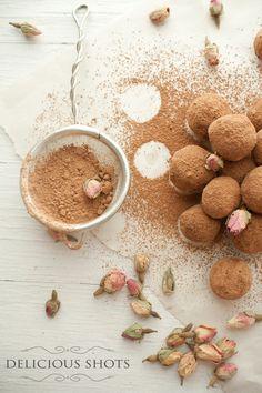 Delicious Shots: Dark Chocolate Rose Truffles