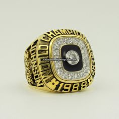 1988 Los Angeles Lakers NBA Championship Ring.Best gift from www.championshipringclub.com for  Lakers fans. Custom your own personalized championship ring now!