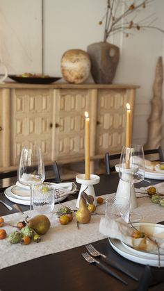 An Intimate Thanksgiving with Crate Hosting Thanksgiving, Thanksgiving Tablescapes, Holiday Tables, Whole Roasted Chicken, Brunch Table, Table Top Design, Easy Entertaining, Crate And Barrel, Dinner Plates