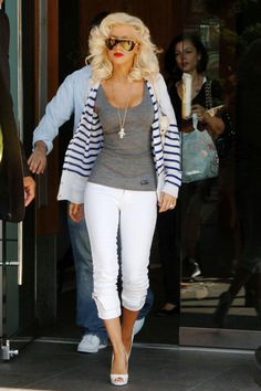 Top 40 Most Beautiful Hair Looks of Christina Aguilera – Celebrities Female Rock Chic, Celebrity Outfits, Celebrity Style, Celebrity Skin, Celebrity Moms, Looks Style, My Style, Divas, Bmi