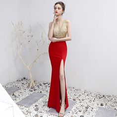V-Neck Beading Floor-Length Mermaid Prom Dress in Prom Dresses Free worldwide shipping! Unique Prom Dresses, Prom Dresses With Sleeves, Lace Evening Dresses, Mermaid Prom Dresses, Formal Dresses, Mundo Geek, Satin Color, Sleeve Styles, Beading