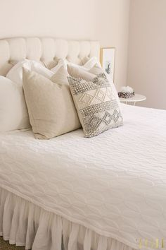 I've partnered with Leesa® to bring you our guest bedroom makeover featuring neutral bedding ideas for a King bed. Learn more about Leesa® mattress today. Beige Walls Bedroom, Beige Headboard, White Bedroom Decor, Beige Pillows, Home Decor Bedroom, Bedroom Ideas, Bedroom Inspo, Beige Bedrooms, Trendy Bedroom