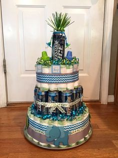 12 Diaper Cakes For Dad's Beer Photo - Dad Baby Shower Diaper Cakes, Baby Shower Diaper Cake and Beer and Diaper Cake Baby Shower For Men, Arrow Baby Shower, Baby Shower Fun, Baby Shower Gifts, Baby Gifts, Baby Showers, Baby Shower Baskets, Baby Shower Diapers, Baby Shower Sheet Cakes