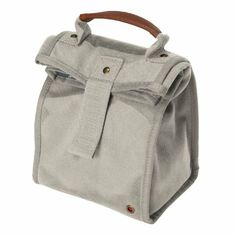 The #Igloo #Regiment Lunch Sack Duo features an insulated cooler compartment with a wide-mouth opening.Easy-open hook and loop closure•Leak-resistant, easy to clean, antimicrobial liner