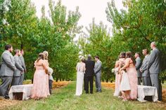 A Cozy Fall Wedding held at the bride's family the Peach Orchard,the atmosphere is intimate and cozy & it's the perfect environment for laid back wedding